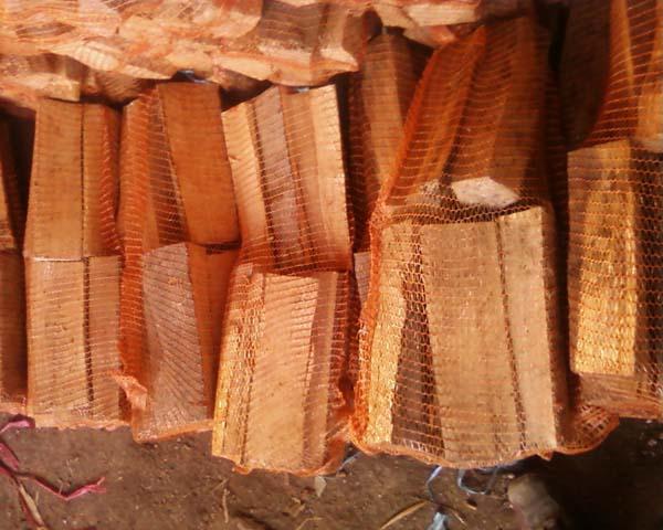 achat de bois de chauffage granul s de bois buches de. Black Bedroom Furniture Sets. Home Design Ideas