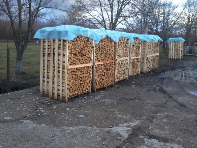 Vendita legna da ardere di quercia for Vendita legna da ardere