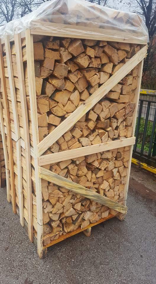 Vendita legna da ardere di quercia e faggio essiccata for Vendita legna da ardere